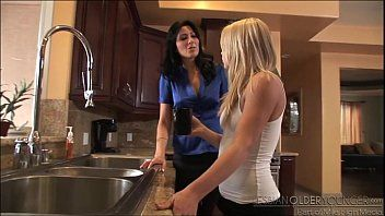 Alyssa branch and zoey holloway lesbo adventure