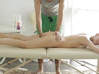 Stripped massage receives the blondie sex.crazy.02