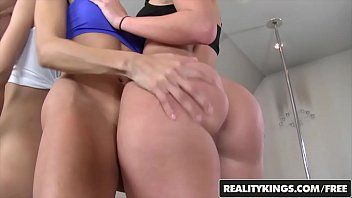 We live jointly - lesbo foursome after pole dancing class - reality kings
