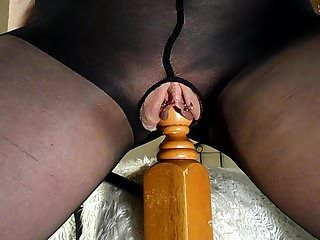 Dilettante milf rides her bedpost - multiple squirting orgasms