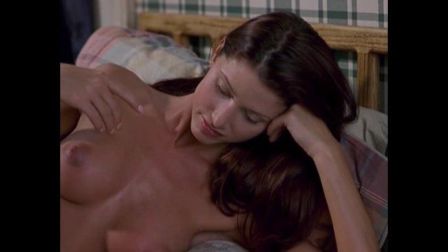 Shannon elizabeth undressed billibongs in american pie clip